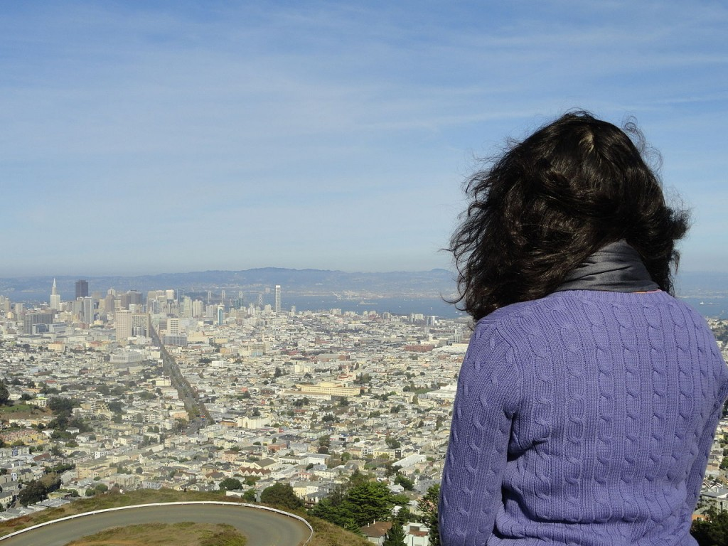 1280px-Lady_on_Twin_Peaks,_San_Francisco,_CA,_USA_(9482864310)